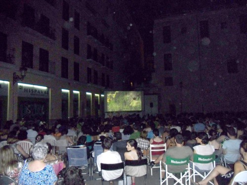 """Imatge de la projecció de """"Pa Negre"""" (Cinema a la fresca a Velluters 2011)"""